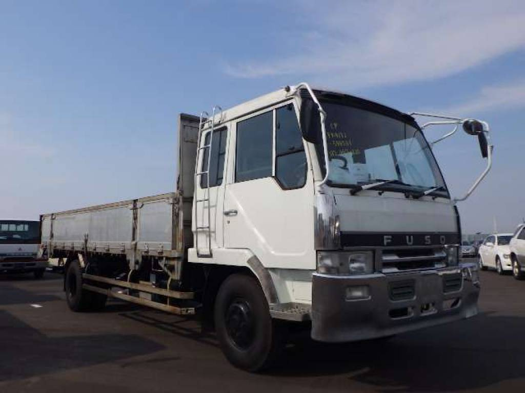 Mitsubishi Fuso Fighter 1991 from Japan